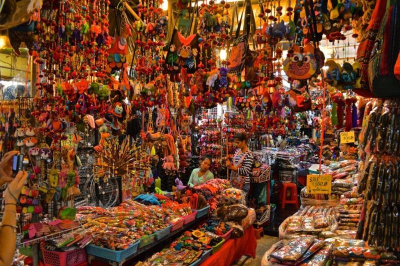 Một góc chợ đầy màu sắc