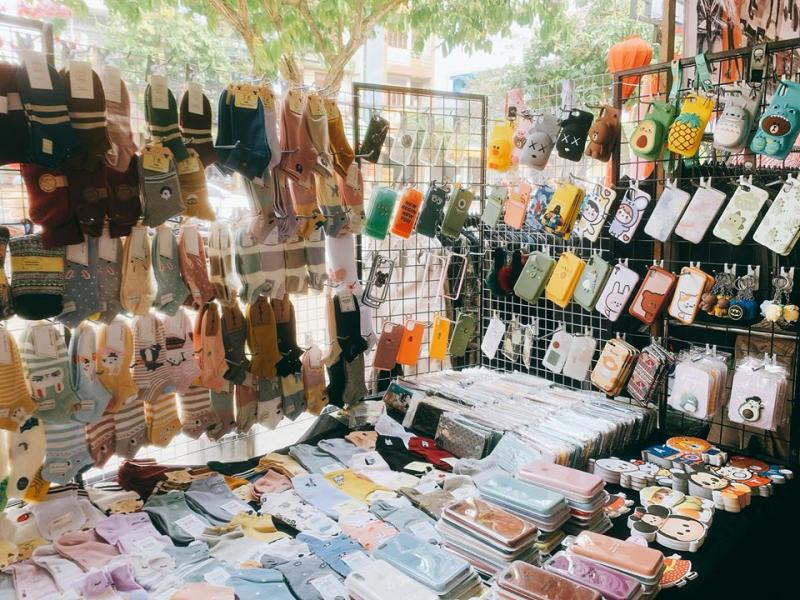 Top 8 chợ sale cuối tuần cực hot ở Sài Thành