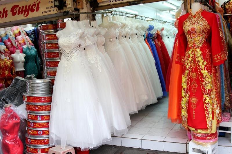 Đồ cưới ở chợ Tân Bình