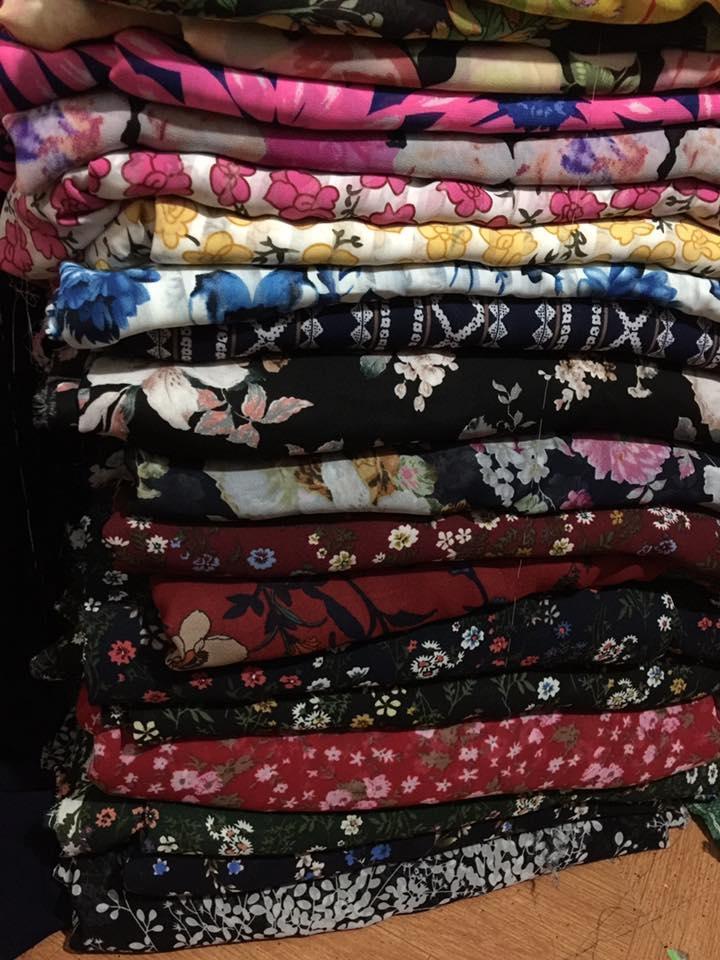 vải von hoa tại chợ