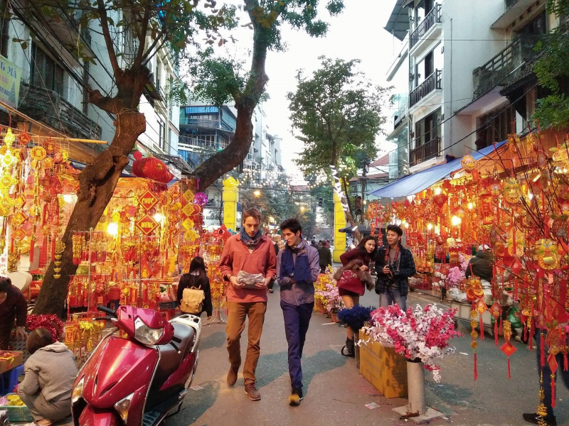 Chợ Tết phố cổ Hà Nội