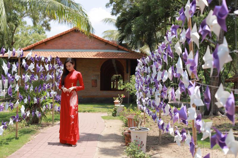 cho thuê áo dài cưới Bồ Công Anh sẽ mang đến những lựa chọn đẹp nhất cho ngày cưới của bạn.