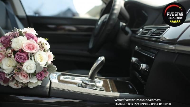 Xe cưới sang trọng ở VIP - Five Star Limousine