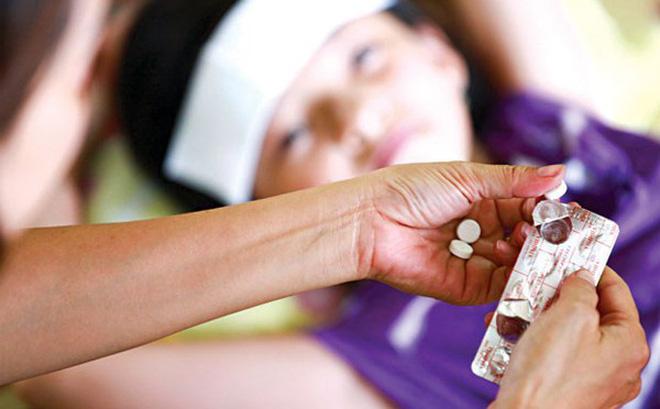Sử dụng thuốc hạ sốt khi trẻ sốt từ 38,5 độ C