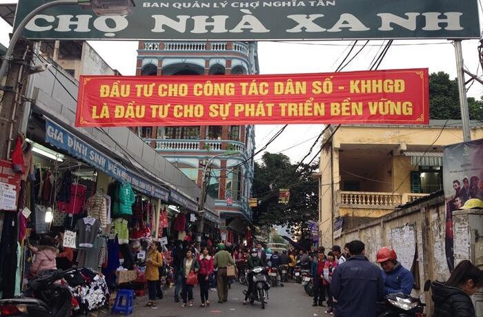Chợ được mở cửa vào khung giờ 9h sáng đến 21h tối