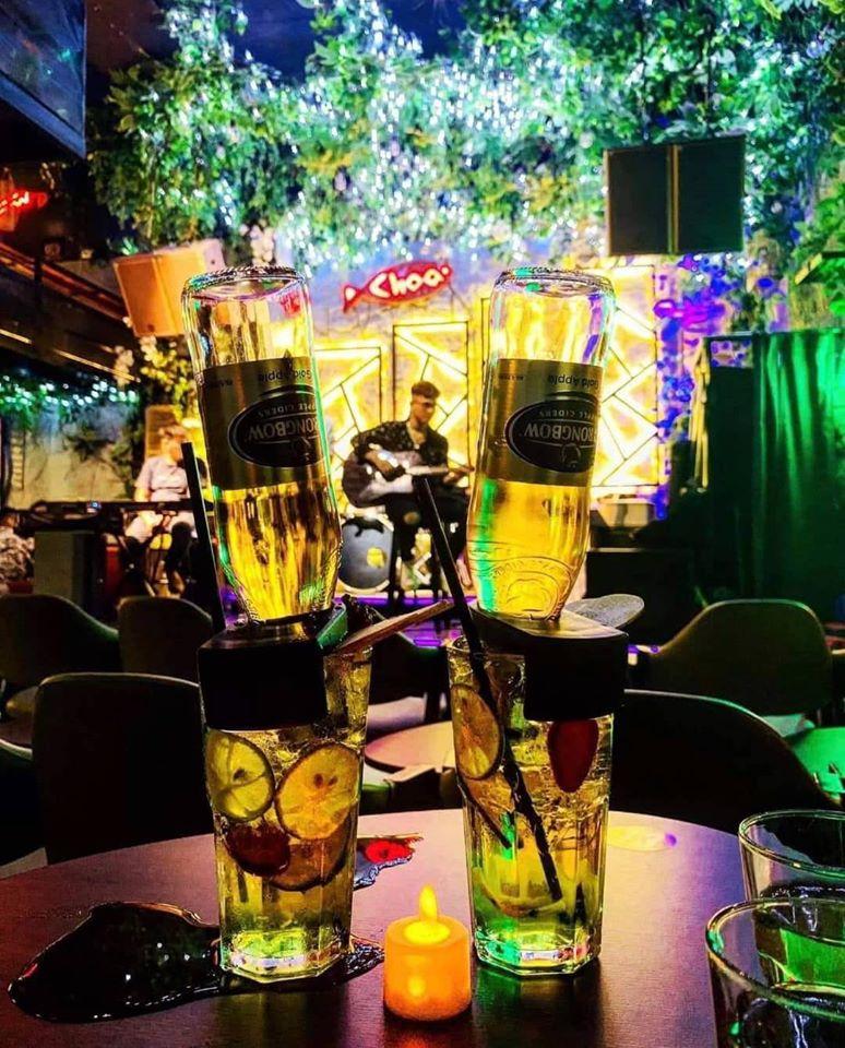 Bia trái cây úp ngược bắt mắt của Choa cafe (Nguồn: Fanpage: Choa cafe - live music)