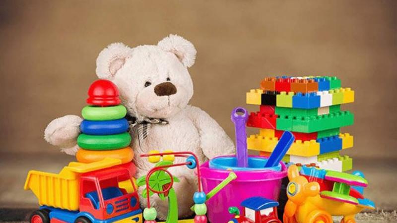 Chọn các loại đồ chơi để bố mẹ và bé có thể tham gia chung với nhau
