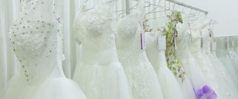 Váy cưới phải phù hợp với người bạn đời của mình