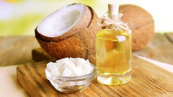 Dầu dừa có tác dụng dưỡng ẩm cao