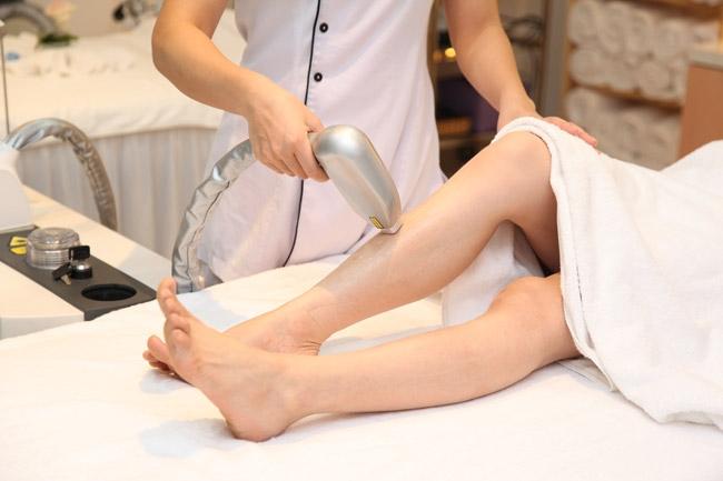 Nếu bạn đã chọn phương pháp waxing bằng laser, đừng dùng thêm phương pháp wax lông với sáp