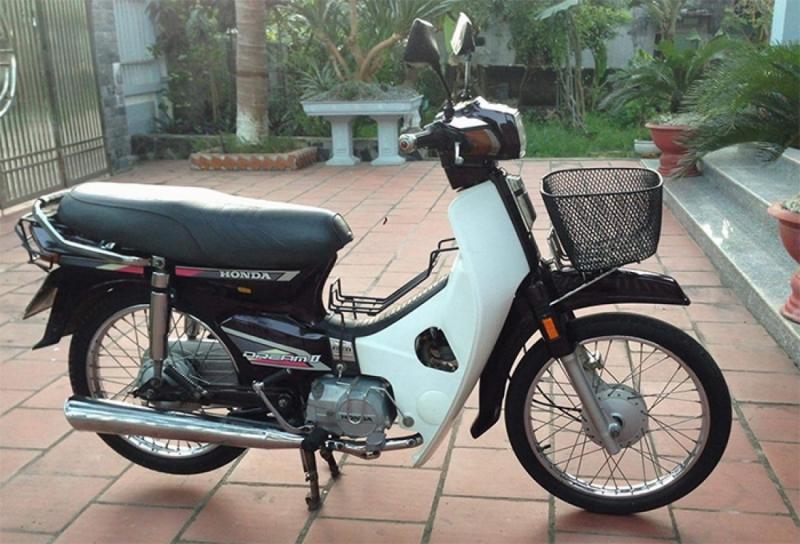 Honda Dream là một trong những dòng xe máy cũ giá rẻ được ưa chuộng nhất tại Việt Nam