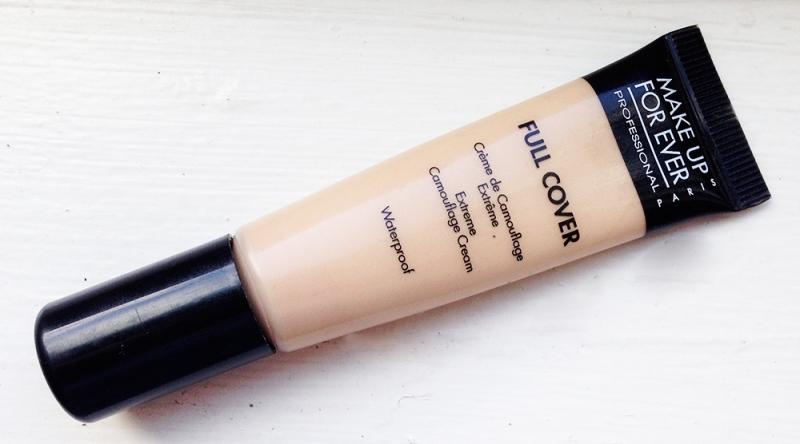 Kem che khuyết điểm Full Cover của Makeup Forever rất thích hợp cho da mụn