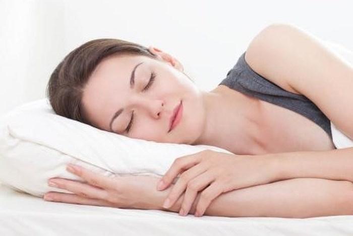Chọn tư thế ngủ phù hợp.