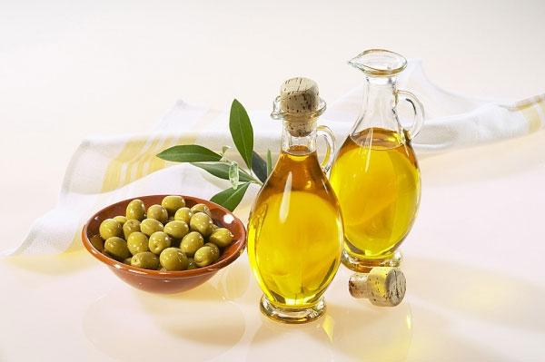 Chống rạn da bằng dầu oliu