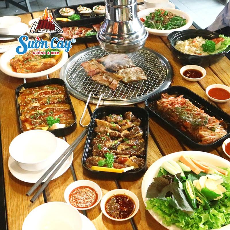 Chooki BBQ & Hotpot Buffet có menu với hơn 80 món nướng và lẩu hấp dẫn