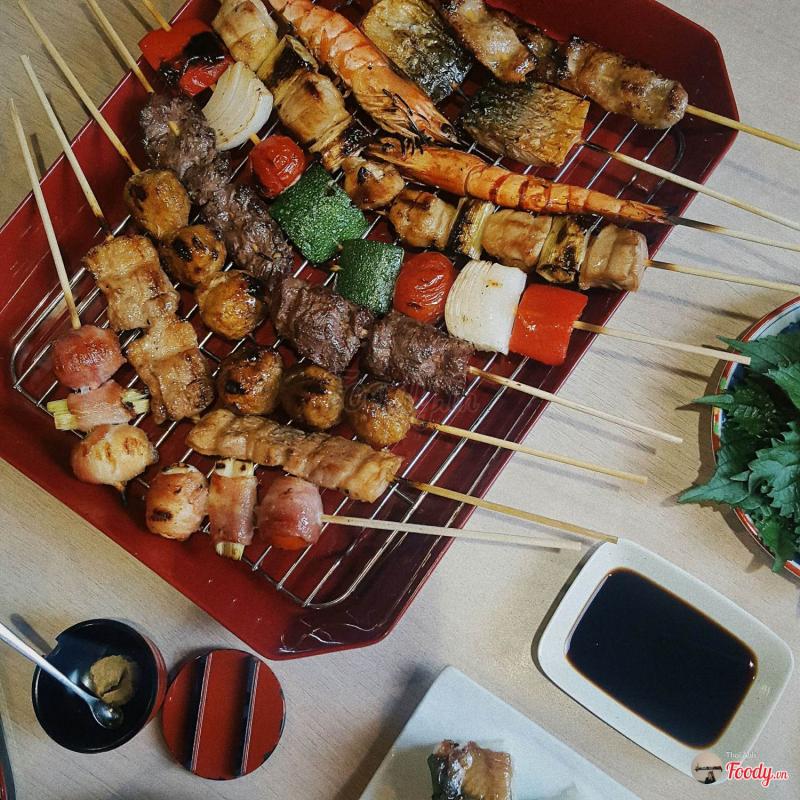 Chouchin có thể xem là một đại tiệc xiên que nướng kiểu Nhật độc đáo tại Hà Nội.