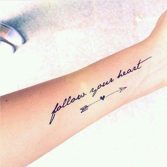 Những người lựa chọn mẫu tattoo này thường rất yêu văn học, cực kỳ thích sách và có thế giới nội tâm vô cùng sâu sắc.