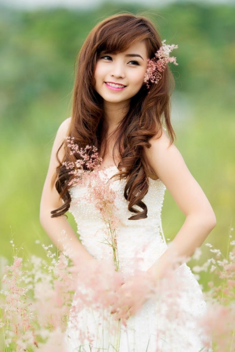 Chọn tông trang điểm tự nhiên để cô dâu xinh nhất