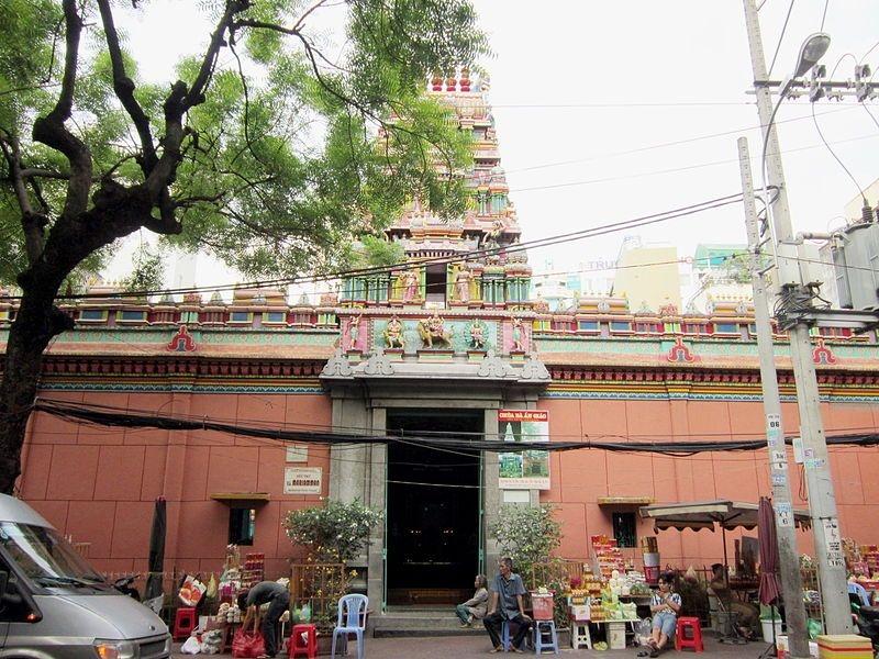Ngôi chùa Bà Ấn Độ cầu duyên