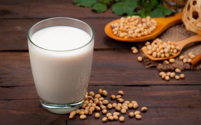 Dùng sữa đậu tương hàng ngày giảm gan nhiễm mỡ khá tốt