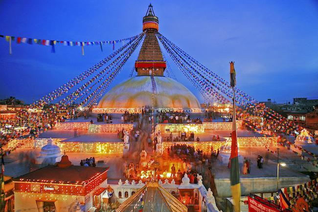 Bảo Tháp Boudhanath rực rỡ về đêm