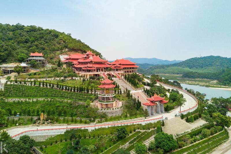 Chùa Cái Bầu - Vân Đồn, Quảng Ninh