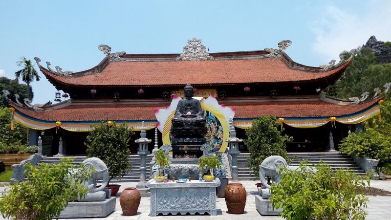 Chùa Hang không chỉ là địa điểm tâm linh mà còn có rất nhiều cảnh đẹp