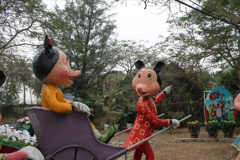 Chuột đáo thiền môn tại chùa Hang