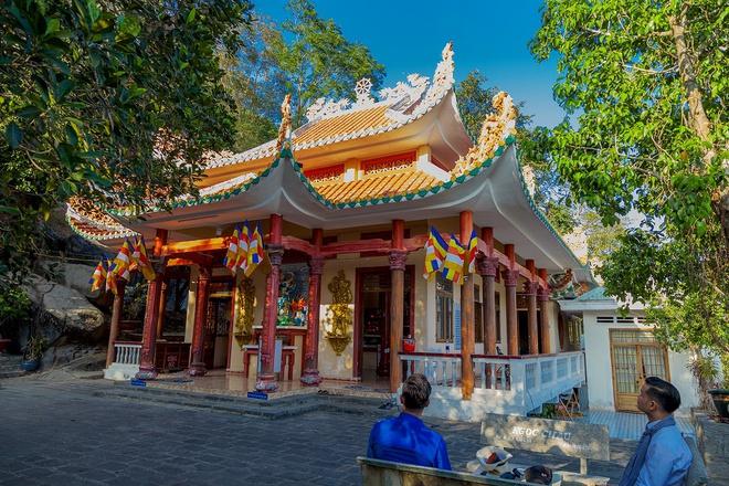 Ngôi chùa ở Tây Ninh nổi tiếng linh thiêng nhất