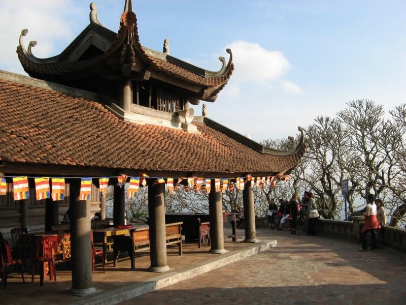 Một góc chùa Hoa Yên