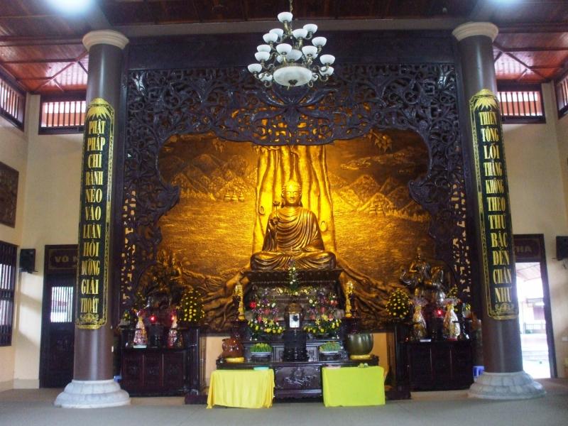 Tượng Phật - Chùa lân