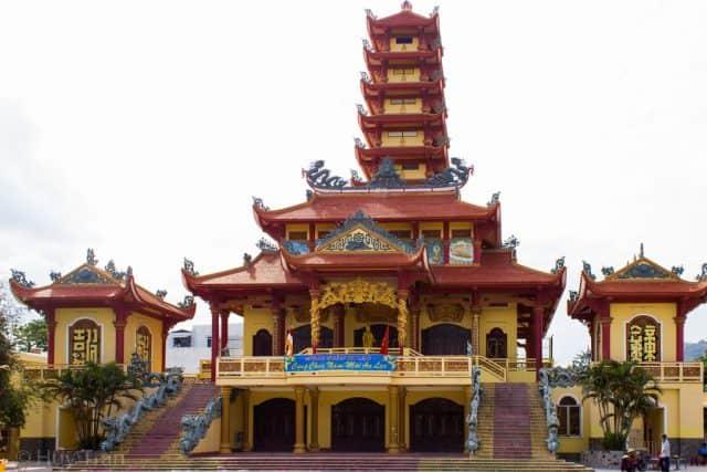 Chính điện của chùa Long Khánh