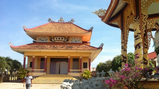 Chùa Long Thiền hay còn có tên gọi khác là chùa Cây Thị