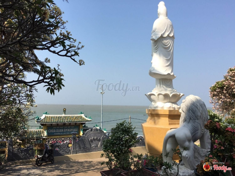 Quan Âm trông ra biển Nam Hải