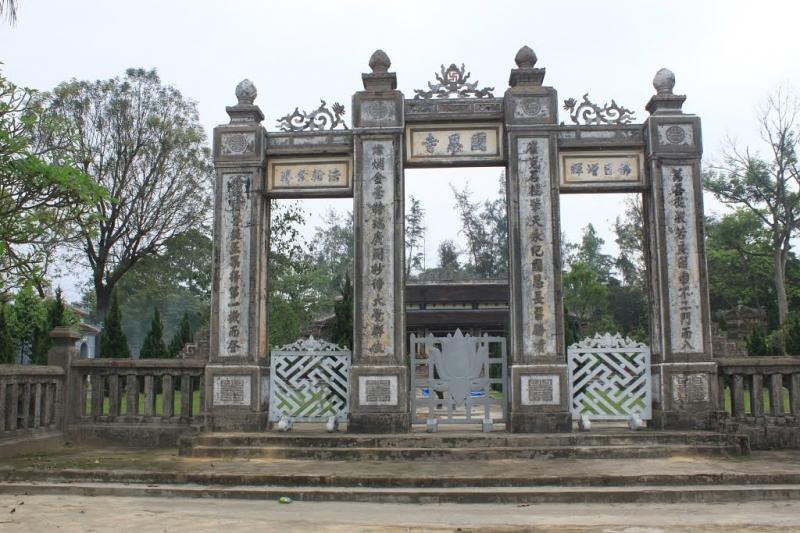Top 10 ngôi chùa đẹp nhất ở Huế