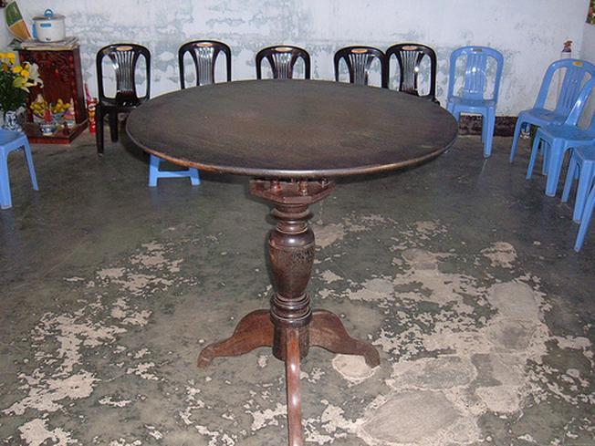 Chiếc bàn xoay tại chùa Thiên Vương Cổ Sát