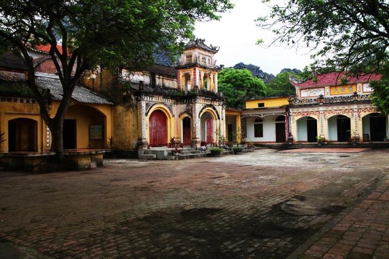 Quang cảnh chùa Tiên