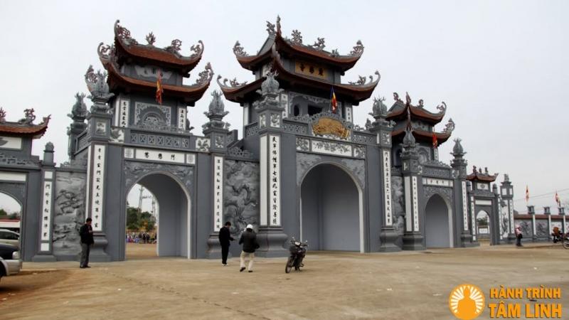 Cổng chùa Trình...