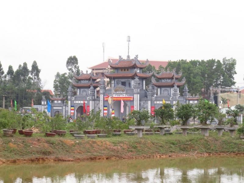 Một góc chùa Trình nhìn từ xa