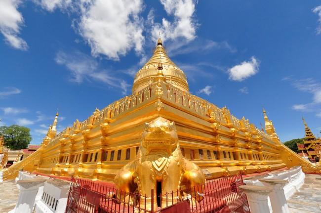 Chùa vàng Shwezigon là một trong những địa điểm du lịch nổi tiếng nhất ở Myanmar