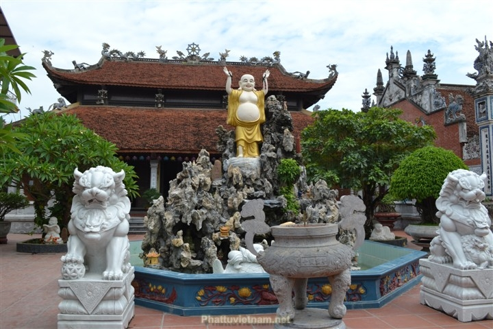 Quang cảnh chùa Vẽ