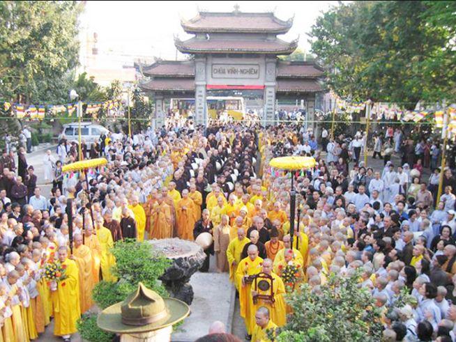 Ngày lễ tại Chùa Vĩnh Nghiêm