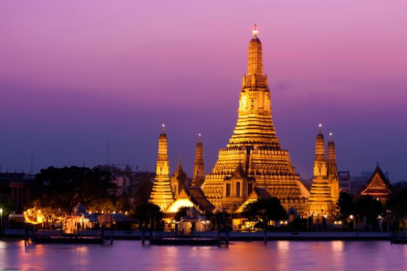 Chùa Wat Arun vào buổi tối