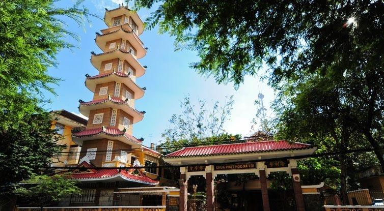 Chùa Xá Lợi là nơi có tháp chuông cao nhất Việt Nam