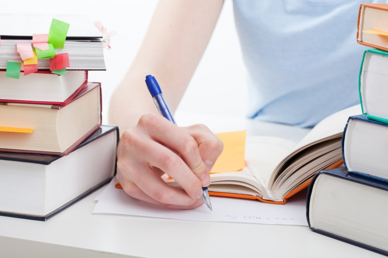 Nên chuẩn bị bài ở nhà trước khi đến lớp, bạn nhé!
