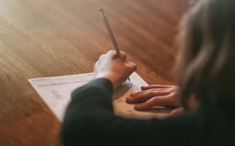 Cách học này sẽ giúp các bạn học sinh có thể bổ sung các phần kiến thức còn thiếu cho nhau
