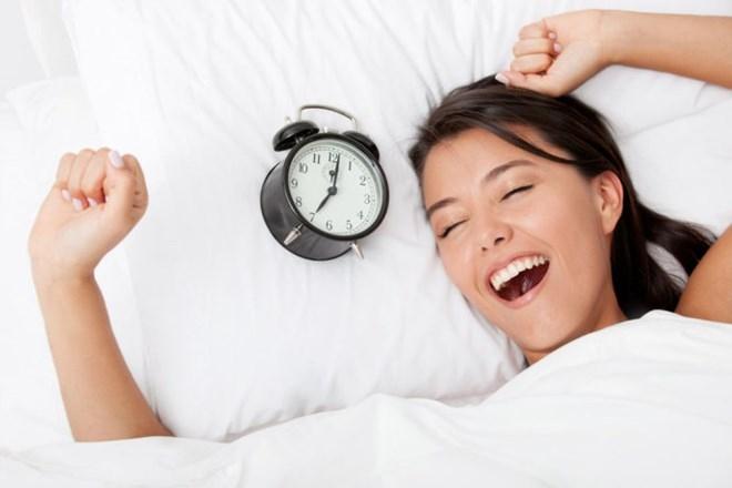 Ngủ đủ giấc để giữ tinh thần thoải mái (Ảnh minh họa: sina.com.cn)