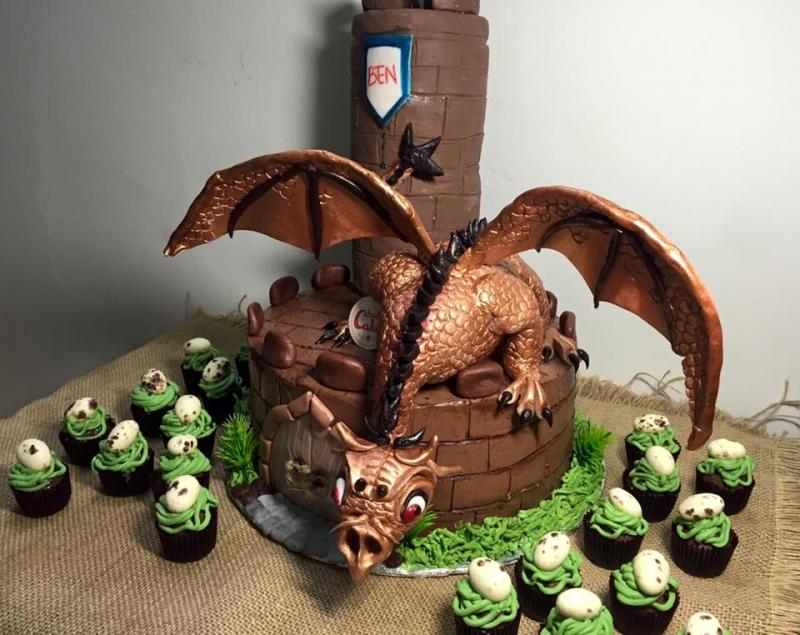 Bạn muốn có một chiếc bánh hình chú rồng độc đáo như thế này không?