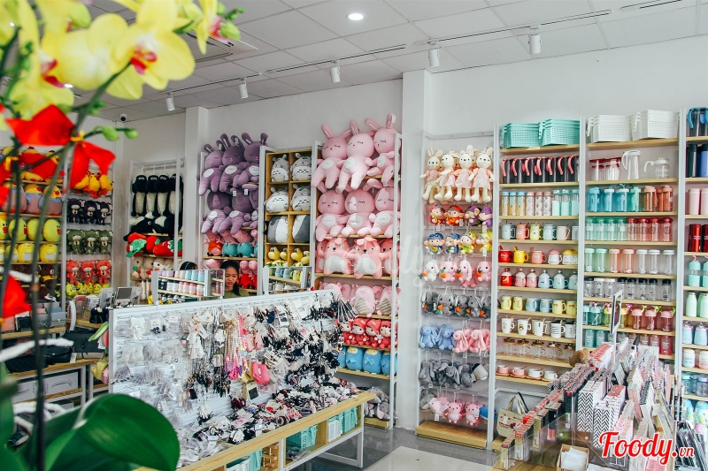 Chuỗi cửa hàng Ilahui kinh doanh các mặt hàng tiện ích và phụ kiện thời trang phong cách Hàn Quốc