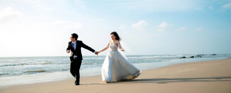 Chụp ảnh cưới ở bãi biển Cửa Lò